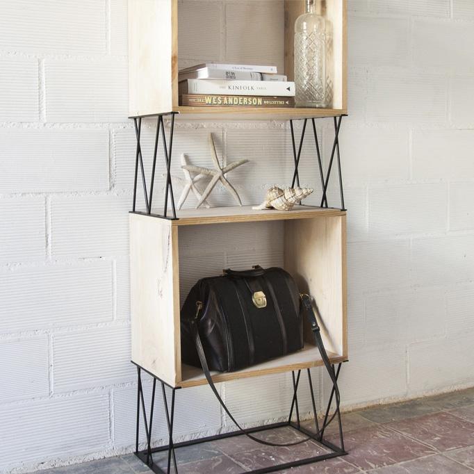 estanterias con madera reciclada